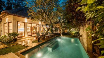 Private pool by night - Villa Gracie Jimbaran