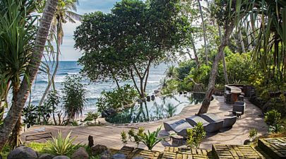 The Cove Bali features an infinity pool and sun deck